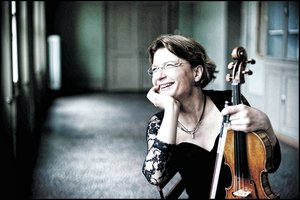 Beethoven hegedűverseny Antje Weithaasszal